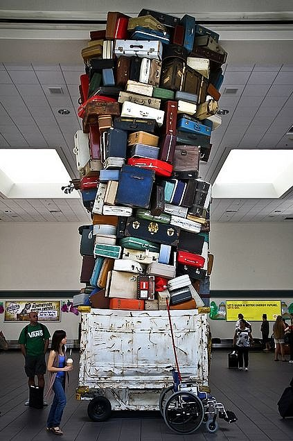 Какой чемодан выбрать пластик или ткань